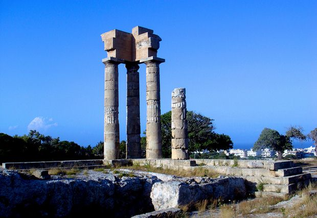 Apollon Tapınağı, Akropolis